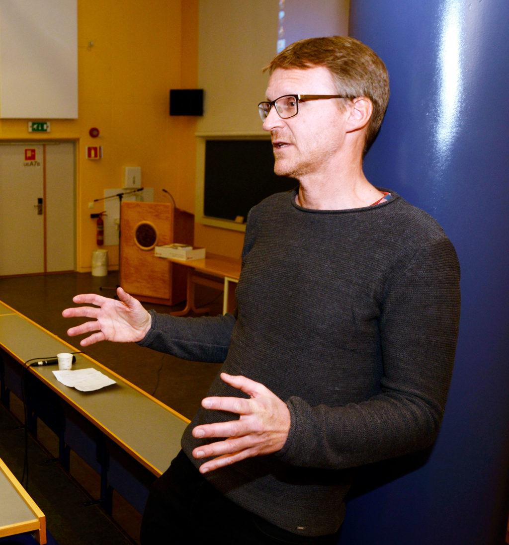 Professor og overlege Claus Klingenberg leder den nasjonale referansegruppen for Nyfødtscreeningen i Norge. Foto: Rune Stoltz Bertinussen
